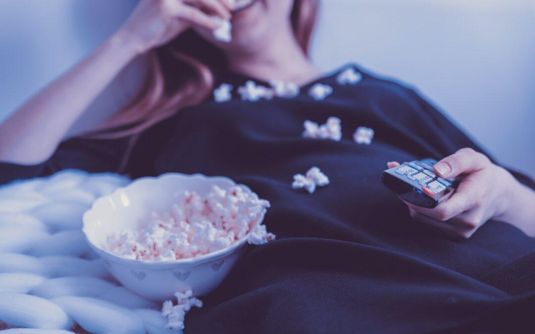 Smart Working e Lockdown possono causare l'aumento di peso? Troppe cattive abitudini: sos per la salute alimentare dei più piccoli