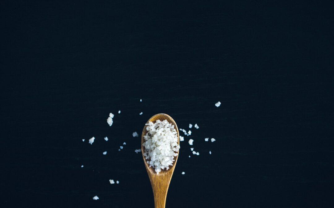 Meno sale e più sapori. Consigli per diminuire il consumo di sale e preservare la salute